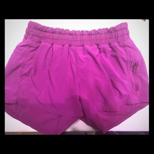 GUC Lulu hotty hot violet size 6